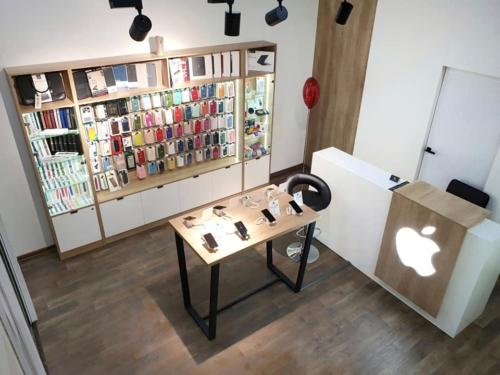 мебель для магазина телефонов