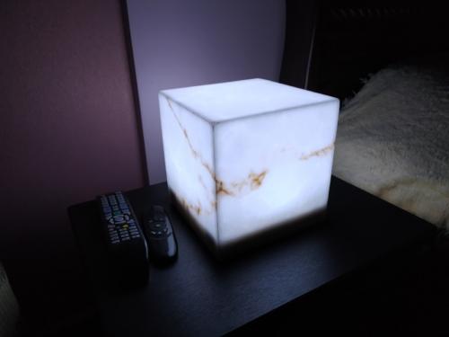 искусственный оникс светильник