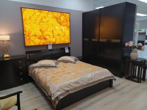 декоративный оникс сумы, стеновые панно из оникса сумы, искусственный оникс в интерьере